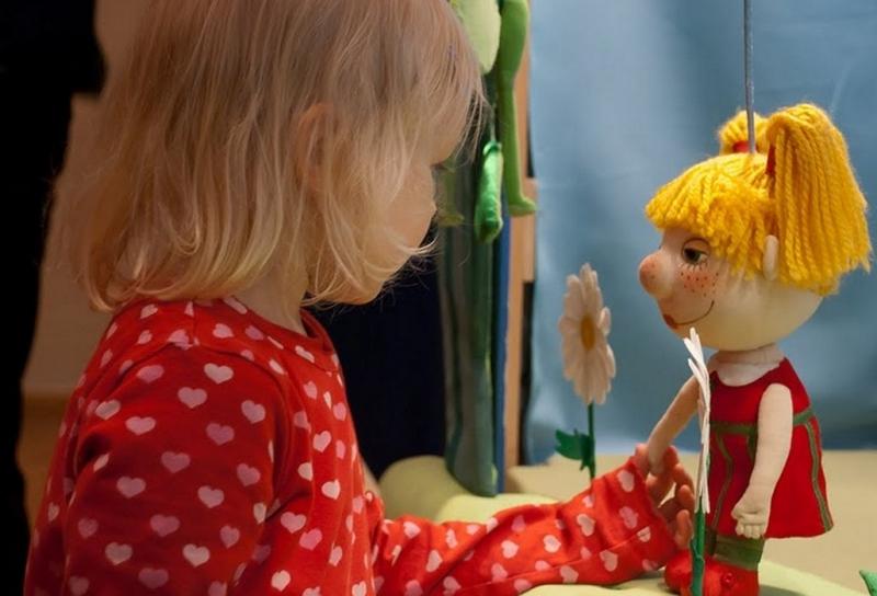 как делать самодельную куклу из ткани для детей