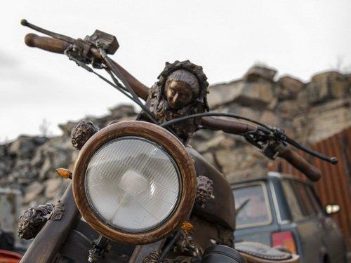 """Деревянное чудо: мотоцикл по имени """"Девушка"""""""