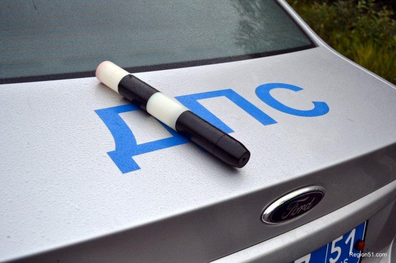 В Мурманске наказали водителя маршрутки за выезд на встречку и проезд на «красный»