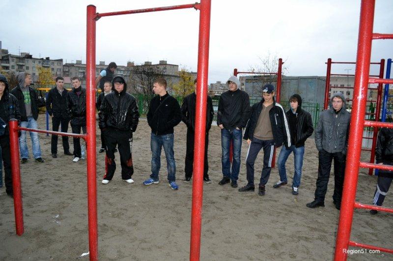 уличная битва Мурманск