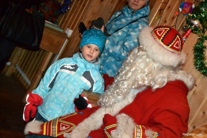 Дед Мороз слушает стихи