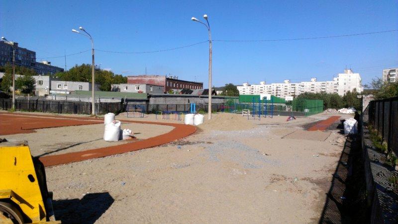 Спортивная площадка у 33 школы