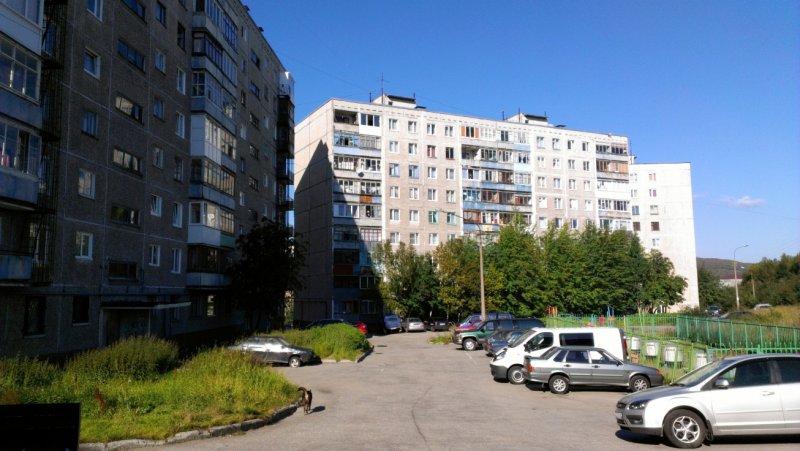 Двор на улице Бабикова, дома №15, 16